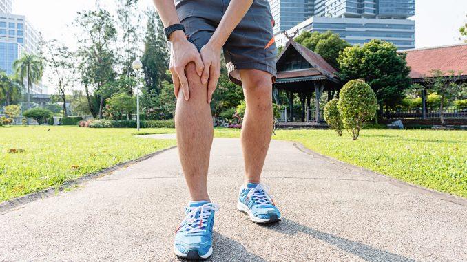 Kribbeln in den Beinen - Erste Anzeichen von Arthrose?
